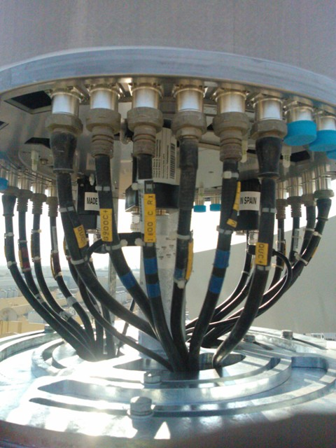 Camouflage antenna connector section